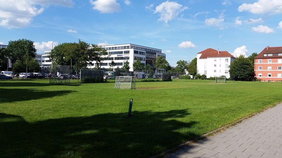 Bolzplatz im Münchner Stadtteil Milbertshofen