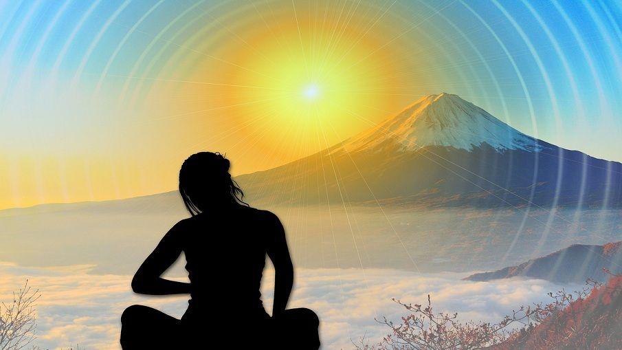 Meditation am Berg (Sonnenuntergang)