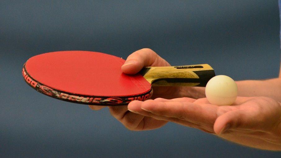 Tischtennisschläger & Ball