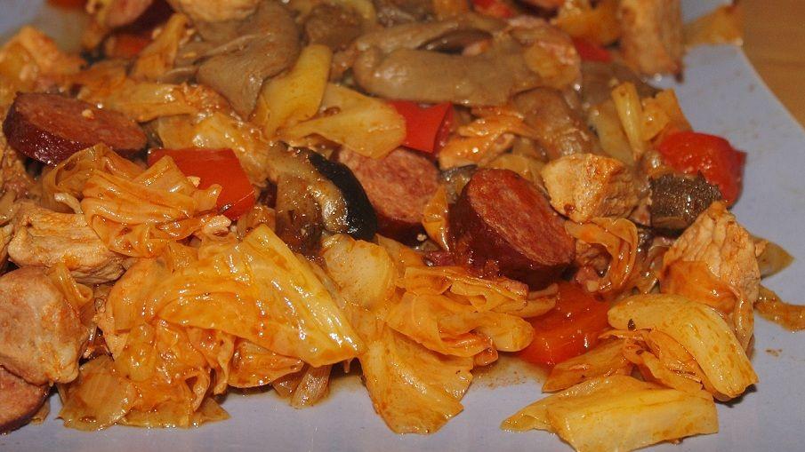 Bigos (Sauerkrauteintopf)